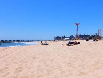 纽约康尼岛 - 海滩