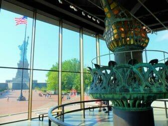 自由女神像和埃利斯岛之旅 - 自由女神像博物馆
