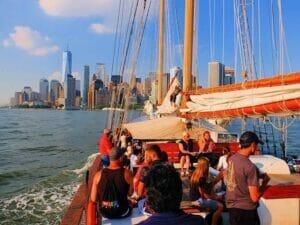 自由女神高桅帆船之旅