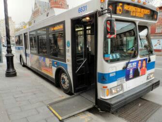 纽约的无障碍设施 - 公交巴士