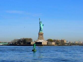 斯塔滕岛渡轮 - 自由女神像