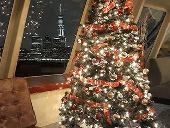 纽约平安夜游船晚餐 - 圣诞树
