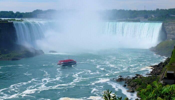 加拿大、尼亚拉加瀑布和手指湖三日游 - 观光游船