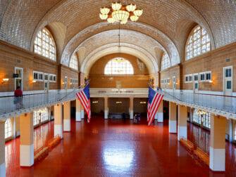 纽约埃利斯岛 - 注册大厅