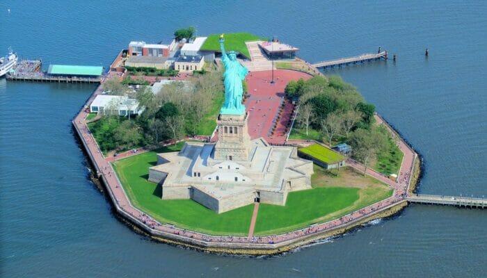 自由女神像 - 自由岛