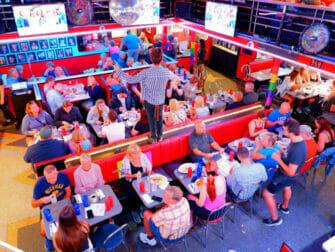 纽约的早餐 - Ellens Stardust餐厅内部