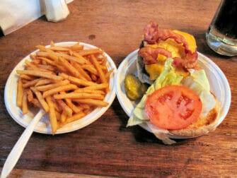 纽约最棒的汉堡 - Corner Bistro2