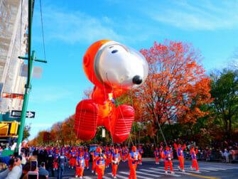 纽约感恩节 - 史努比气球
