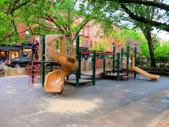纽约游乐场 - Bleecker Street游乐场
