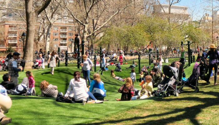 纽约游乐场 - 华盛顿广场游乐场