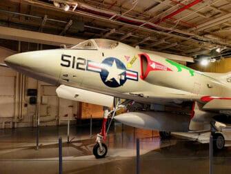 纽约无畏号海天航空博物馆 - 飞机