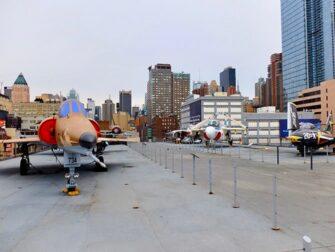 纽约无畏号海天航空博物馆 - 航母甲板
