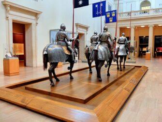 纽约大都会艺术博物馆 - 武器与盔甲展览
