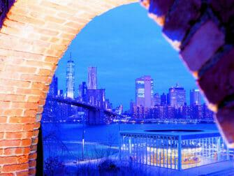 纽约布鲁克林大桥公园 - 帝国商店