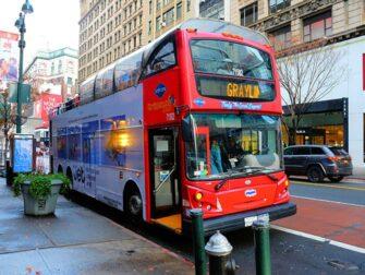 纽约随上随下观光巴士 - Gray Line的红色巴士
