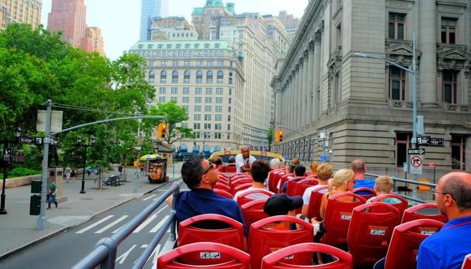 纽约随上随下观光巴士 - 游客观光