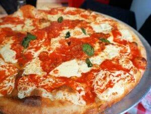 布鲁克林和康尼岛的纽约披萨之旅