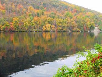 纽约至熊山一日游 - 秋色