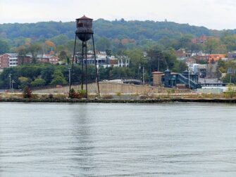 纽约至熊山一日游 - 水塔