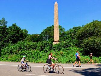 纽约自行车租赁 - 骑行的人
