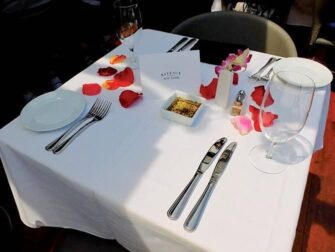 纽约玻璃游船午餐 - 浪漫午餐