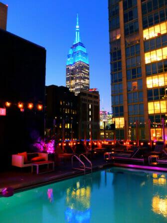 在纽约游泳 - 甘斯福特酒店