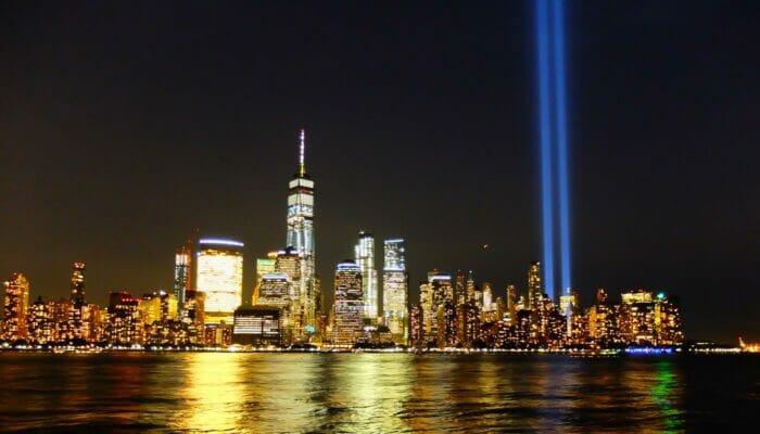 纽约9/11纪念日 - 纪念之光