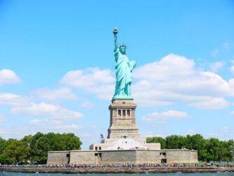 纽约观光随行卡和纽约探索家通票的区别 - 自由女神像
