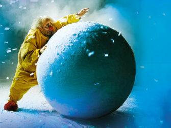 纽约圣诞表演 - 斯拉法的下雪秀