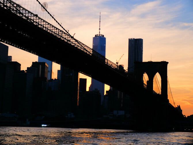 环线观光纽约港口灯光游轮