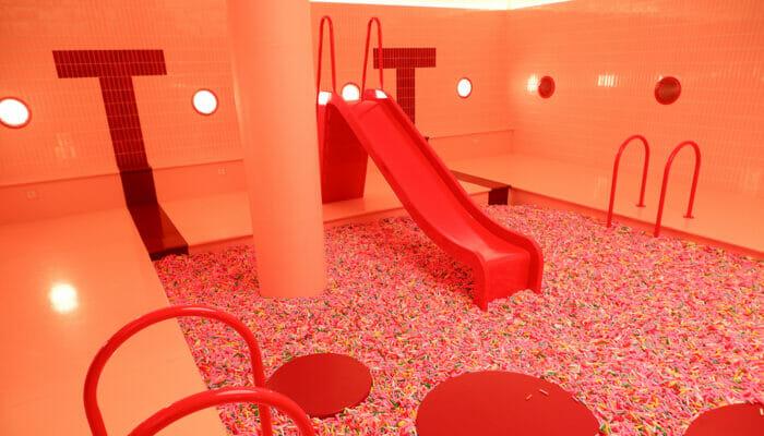 纽约冰淇淋博物馆 - 巧克力彩针滑滑梯