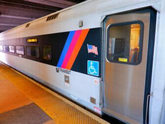 新泽西捷运 - 火车